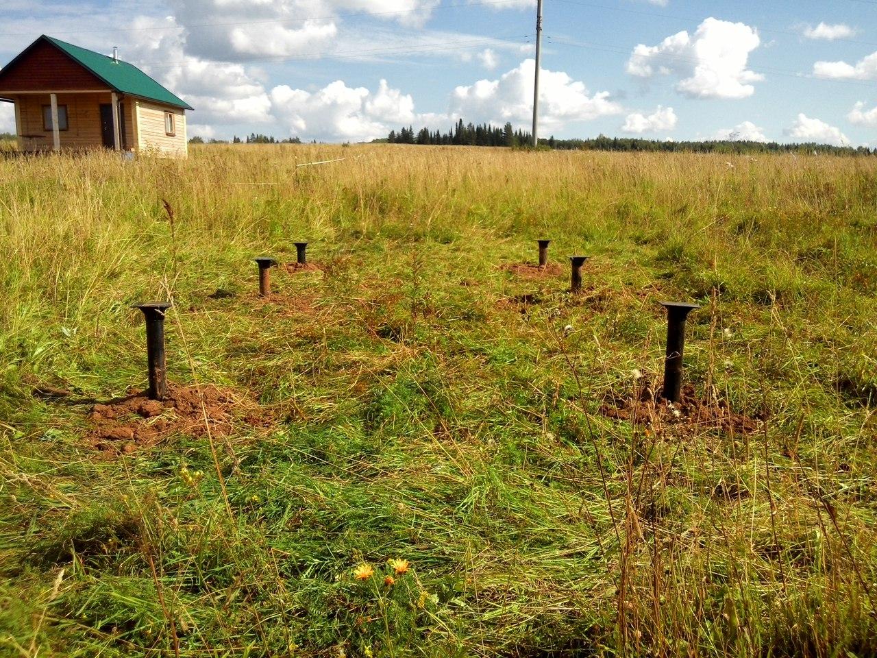 Фундамент в деревне Полуденная